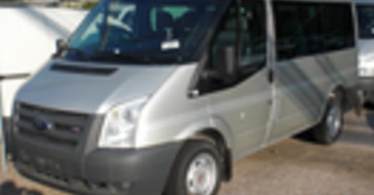 Fill 730x380 profile thumb ford transit bus 1