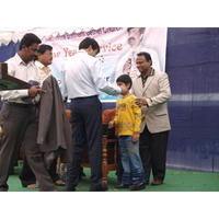 Fill 200x200 original varun receiving an award from bro.anil kumar